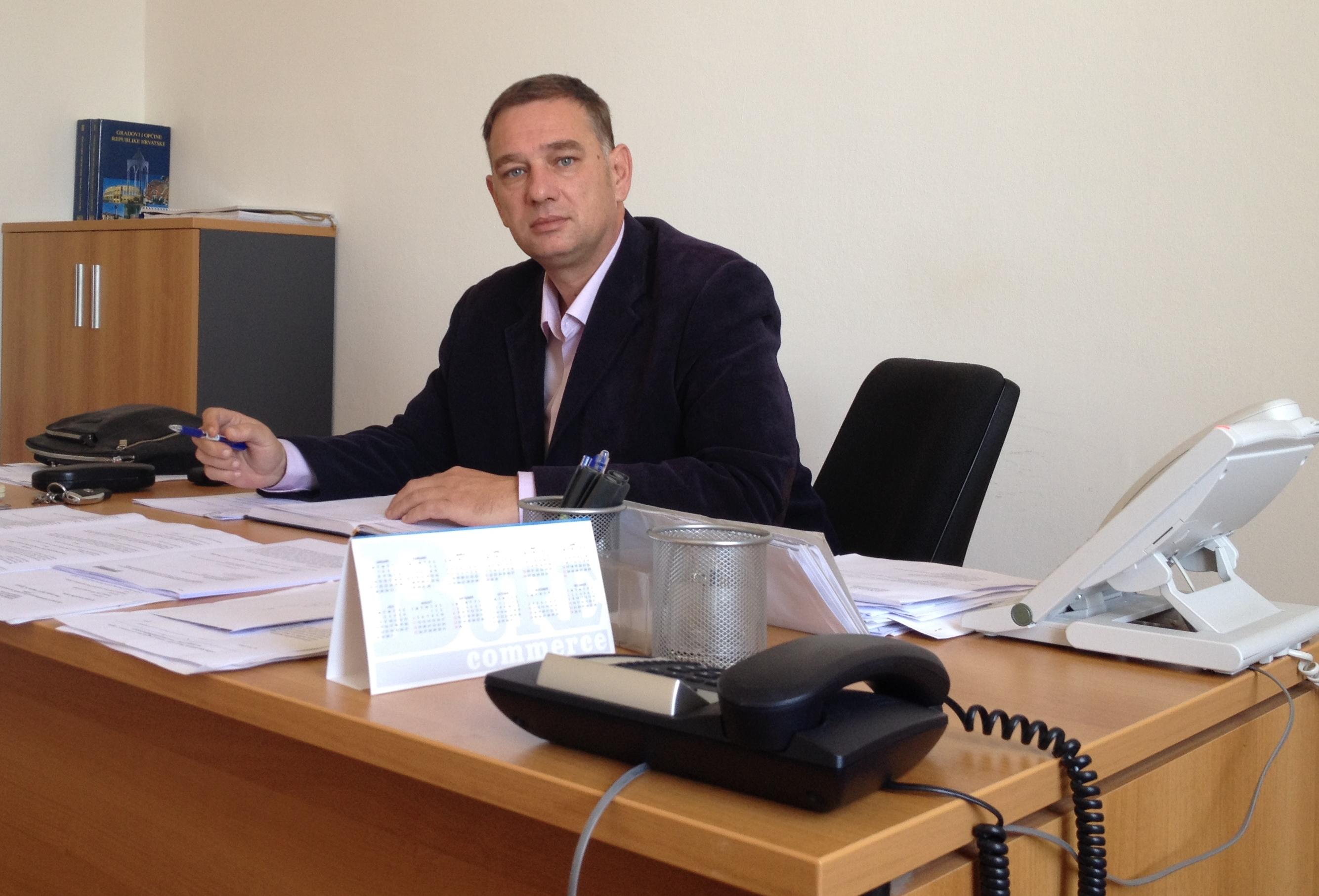 Jerolimov se povlači, Novoselić za kormilom Općine Preko