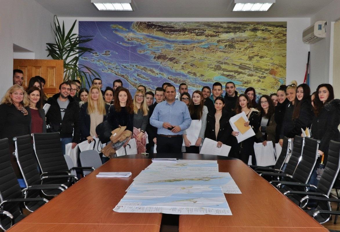 Općina Preko potpisala ugovore o dodjeli stipendija sa 52 studenata