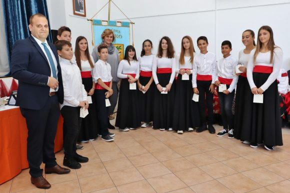 Dječja klapa Baliniera iz Preka osvojila je prvo mjesto na festivalu u Parizu!