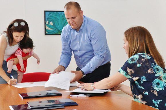 U općini Preko potpisano 15 ugovora o porodiljnim naknadama za novorođenu djecu